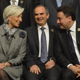 DPM Babacan, Governor Başçı and IMF MD Lagarde Having Chat During the Family Photo Session