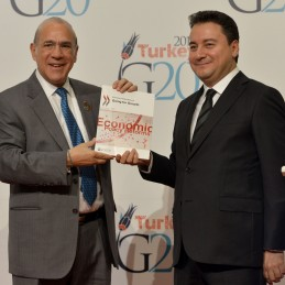 DPM Babacan and OECD Secretary General Angel Gurria presenting OECD's Going for Growth Report